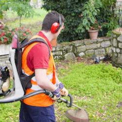 debroussaillage et entretien de jardin Gargowitch espaces verts à Lunel Montpellier et dans le Gard